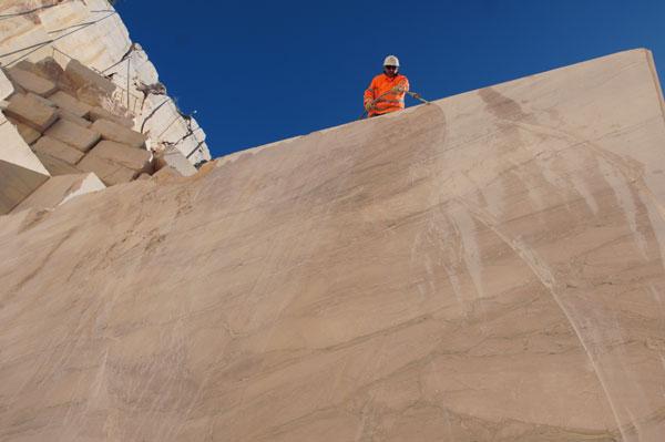 Service riprese video nelle cave di marmo